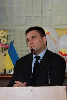 """Міністр презентував у Харкові міжнародний проект """"Книга Добра"""", розпочатий з благословення архієпископа Любомира Гузара"""