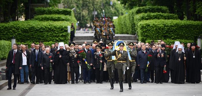 Влада і церкви відзначили День пам'яті та примирення