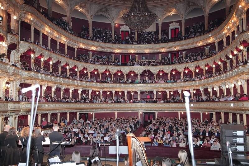 Баптисти вперше святкували Пасху в оперному театрі Одеси