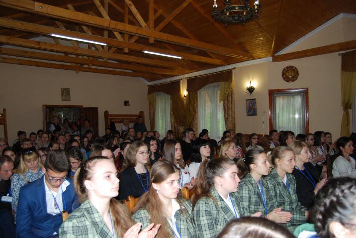 На Тернопільщині триває V Всеукраїнський турнір юних філософів та релігієзнаців