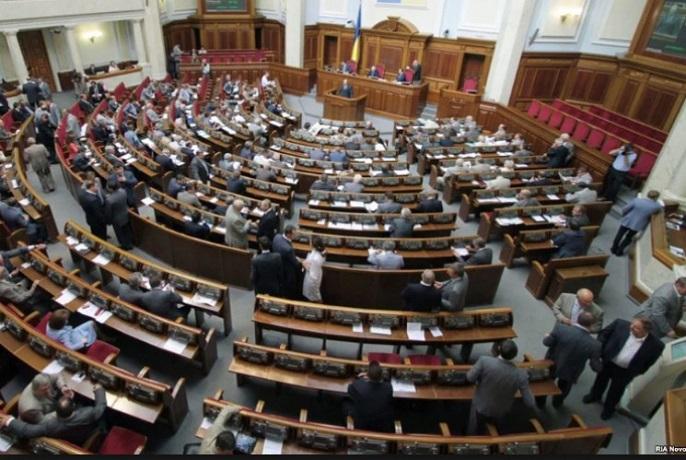 """Фракції """"Блок Петра Порошенка"""" і """"Народний фронт"""" закликали парламент підтримати ПЦУ на чолі з Епіфанієм"""
