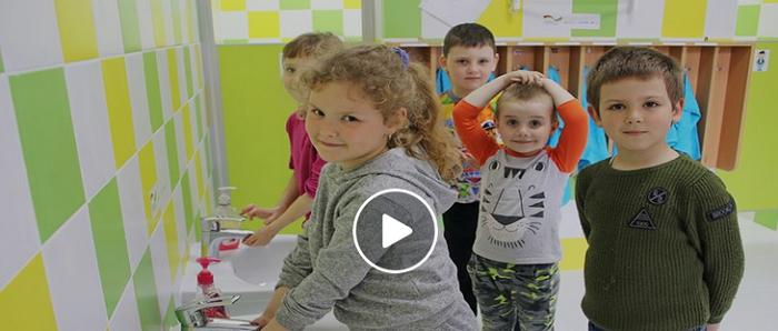 Адвентисти зробили ремонт санвузлів у 15 навчальних закладах Донеччини