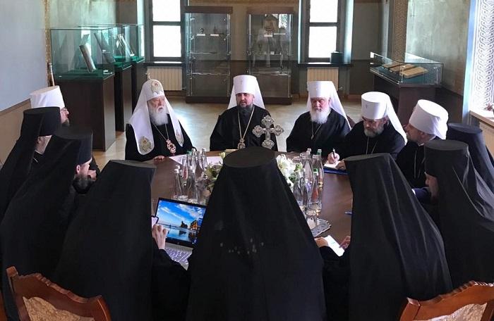 Синод ПЦУ висловив підтримку митрополиту Епіфанію і зробив нові кадрові призначення