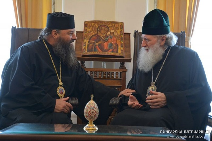 Архієпископ УПЦ (МП), який критикує патріарха Кирила, зустрівся з Болгарським патріархом