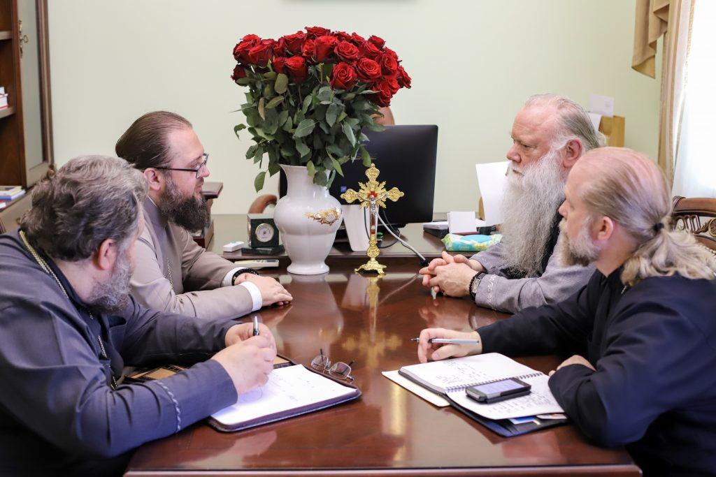Архієпископ РПЦЗ зі США обговорив у Києві співпрацю з академією УПЦ (МП)