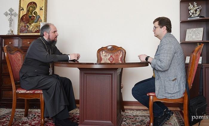 Глава ПЦУ разом з депутатом парламентів України і Європи обговорив соціальні та церковні питання