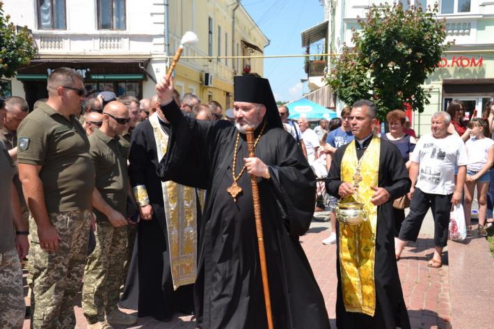 Єпископ УГКЦ поблагословив військових, що повернулися з Луганщини