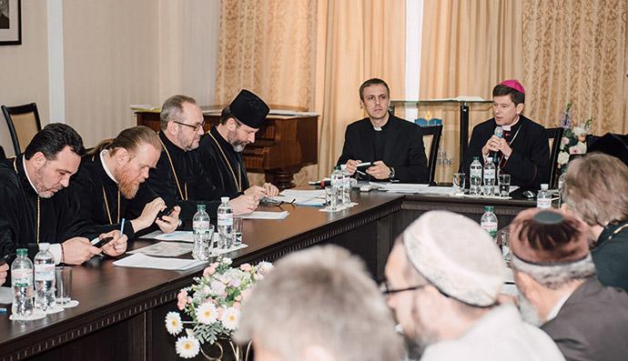 Всеукраїнська Рада Церков поставила кандидатам до парламенту запитання щодо моралі і релігійної свободи