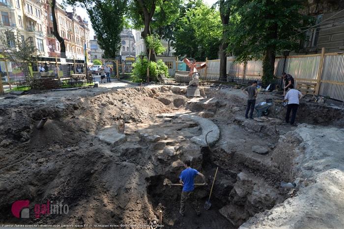 У центрі Львова виявили мури давнього храму ХVІ cт.