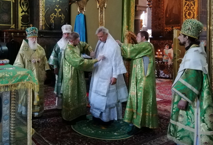 Філарет почав рукополагати нових єпископів для УПЦ КП