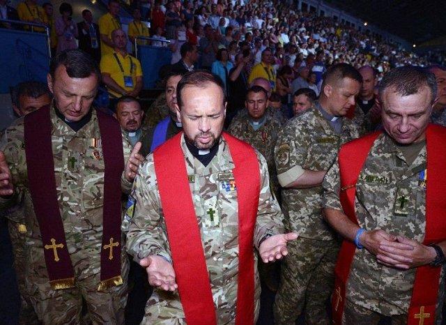 Національний день молитви за Україну зібрав у Києві 8 000 осіб