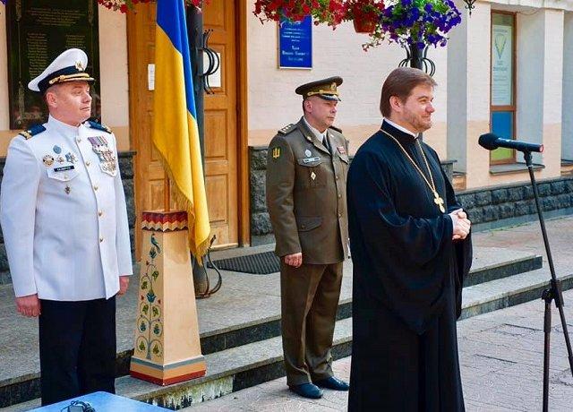 Військові та священик ПЦУ відзначили 264-річчя найстарішого медичного закладу України