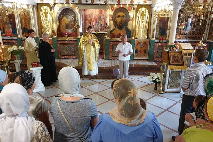 Екс-мер Києва почав агітувати у храмах УПЦ (МП)