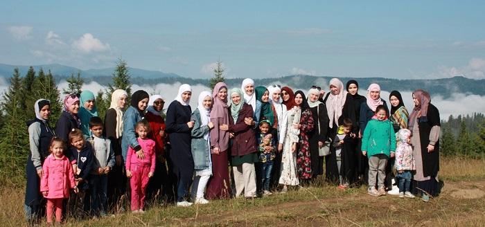 Ліга мусульманок України влаштувала літній табір у Карпатах
