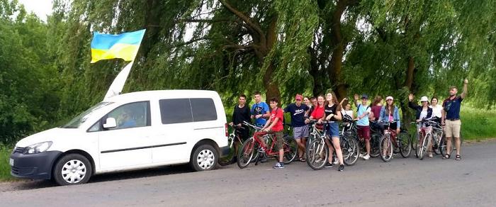 27 велосипедистів-місіонерів з церкви адвентистів об'їхали три області України