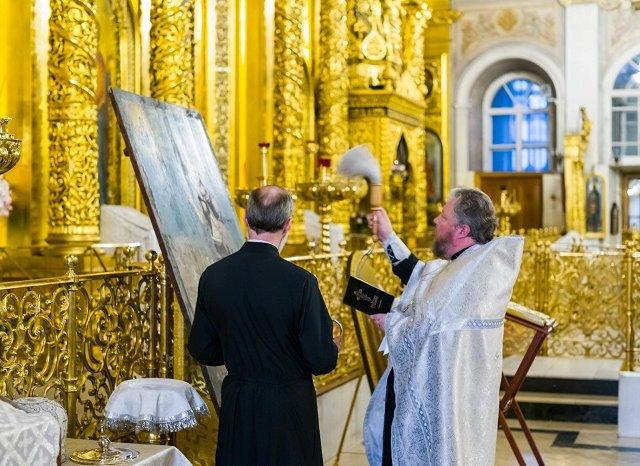 В кафедральном соборе Москвы состоялась молитва для масонов, а также освящение икон для храма Великой Ложи России