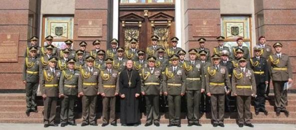 Капелан УГКЦ благословив перший випуск військовослужбовців «Курсів лідерства офіцерського складу»