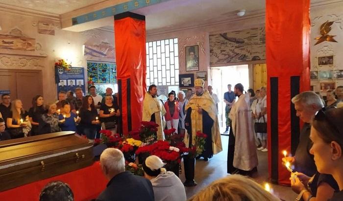 Священники УПЦ (МП) провели в останню путь загиблого в Лівії пілота