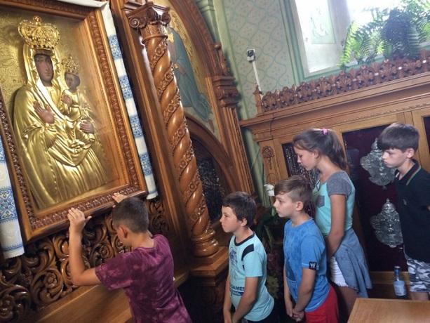 Греко-католики проводять третій табір для дітей з малозабезпечених сімей міста Щастя Луганської області
