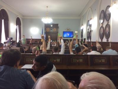 Громадські слухання у міськраді Чернівців – проти будівництва церкви ПЦУ