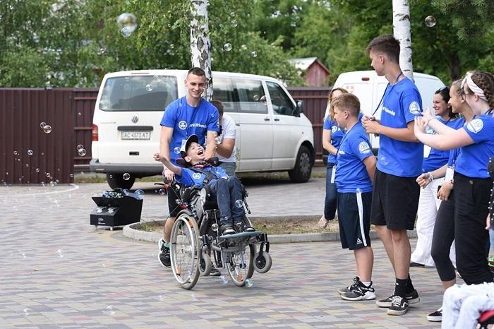 Луцькі баптисти влаштували відпочинок для 70 людей з інвалідністю