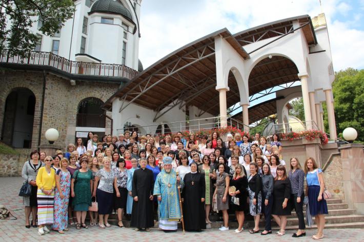 100 дружин священиків УГКЦ пройшли реколекції на Тернопільщині