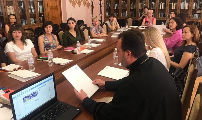 ПЦУ, німці та кримські татари розпочали соціальний проект на підтримку жінок – вимушених переселенців