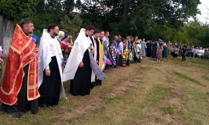 На Чернігівщині та Вінниччині священники УПЦ (МП) відспівали загиблих захисників України