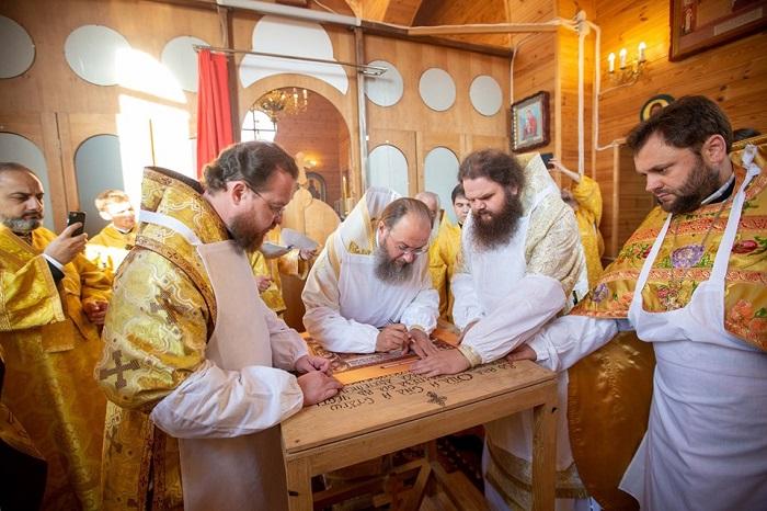 УПЦ (МП) освятила 7 новозбудованих храмів разом з місцем під забудову