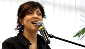 Фінська лауреатка «Євробачення» євангелізує у виправних колоніях Запорізької області