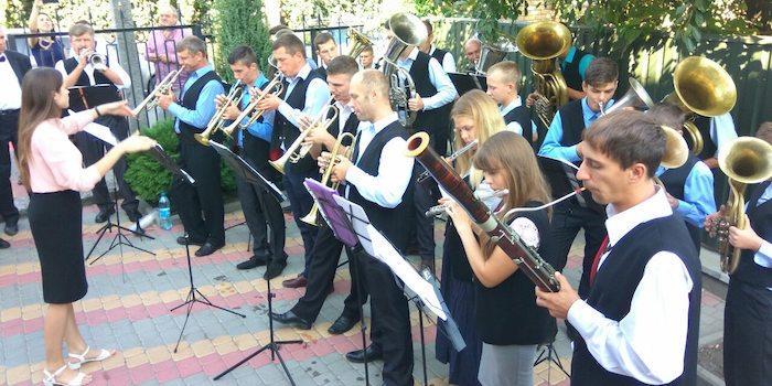 На всеукраїнському фестивалі духових оркестрів адвентисти зібрали 88.000 грн на лікування хворих дітей