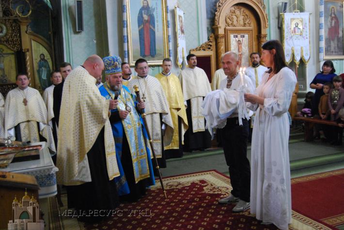 Митрополит УГКЦ особисто хрестить кожну п'яту дитину в тернопільських сім'ях