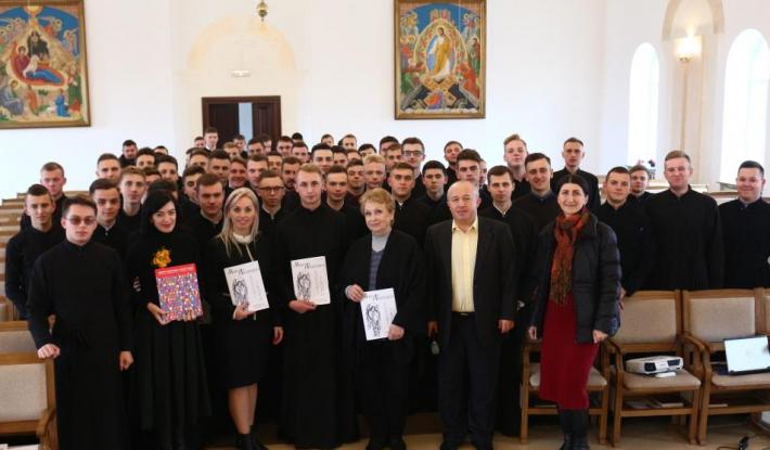 Студент академії УГКЦ упорядкував збірник духовних творів Миколи Леонтовича