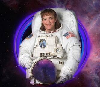 Астронавтка зі США, вихована в українських традиціях і церкві, відвідує Україну