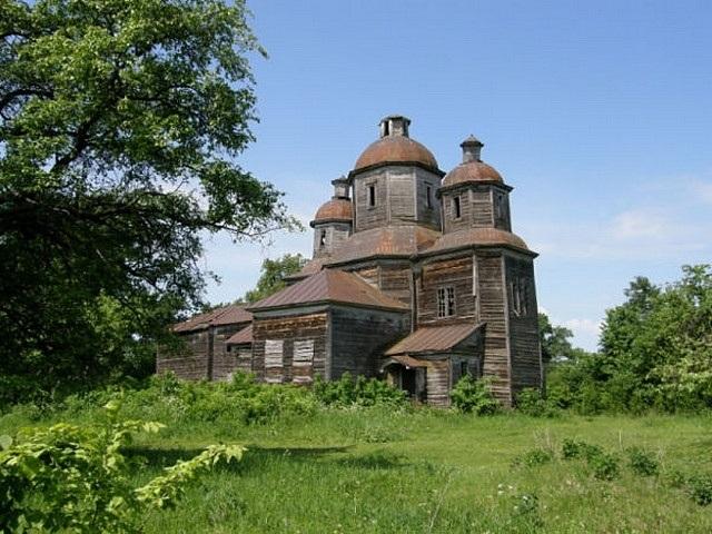 У церкві XVIII ст., перевезеній з Чернігівщини до Києва, незабаром відправлятимуть служби