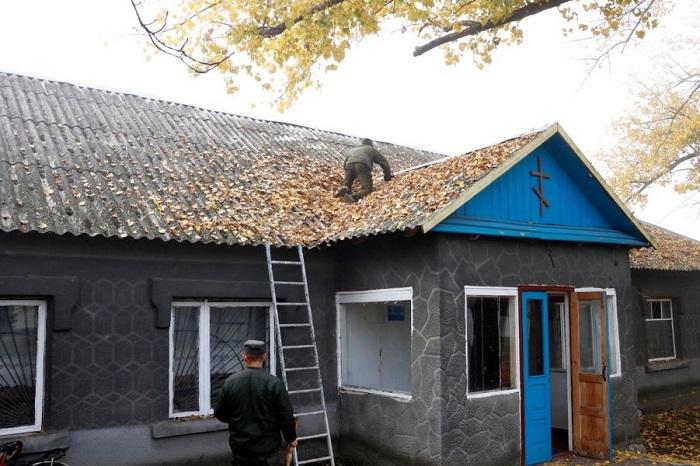 Військові відродили богослужіння в храмі на Донбасі