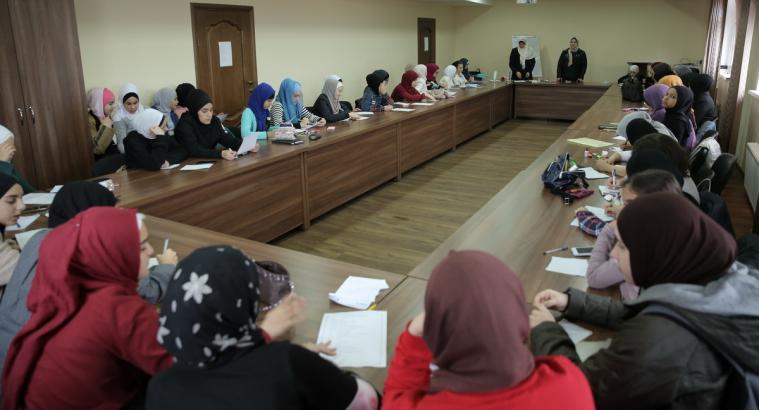 Ліга мусульманок України провела для 50 дівчат-підлітків семінар з підготовки до життєвих викликів