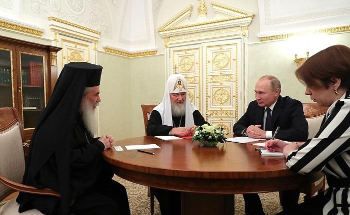 Єрусалимський патріарх пропонує зустріч предстоятелів, Кирил скасовує засідання Синоду, афінський Ієронім відмовляється від зустрічі