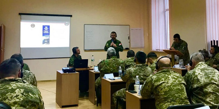 Канадська служба капеланів навчає служителів України допомагати військовим
