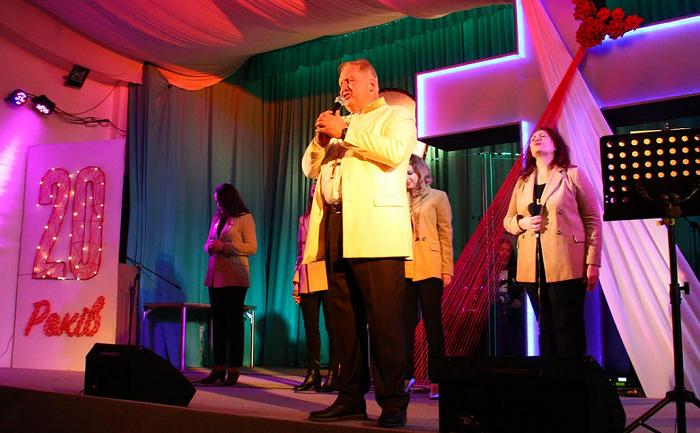 На 20-річчі київської церкви «Ранкова Зірка» вручили дипломи переможцям Всеукраїнського конкурсу сатири і гумору