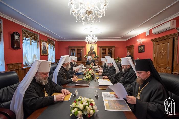 Синод УПЦ (МП) підтримав Зеленського, обрав трьох єпископів і розірвав спілкування з ієрархами Елладської та Олександрійської Церков, які визнали ПЦУ