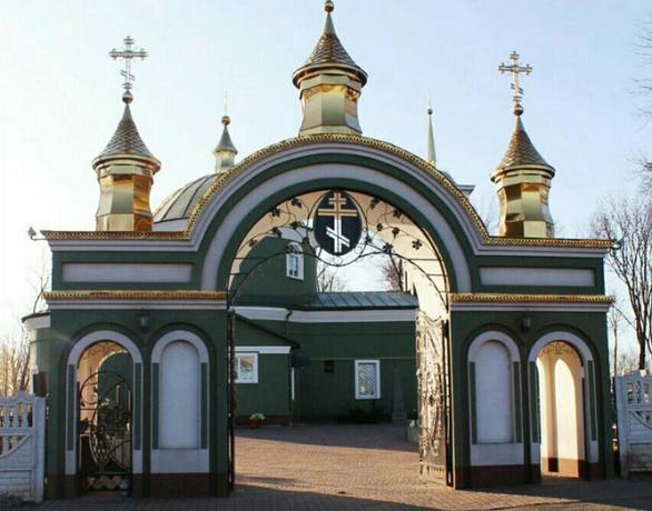 У Гадячі діє церква, яку жодного разу не зруйнували, а богослужіння проводили у найтяжчі часи
