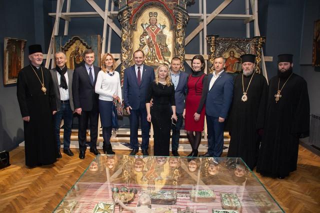 Реставровану ікону з «Тіней забутих предків» презентували в Івано-Франківську