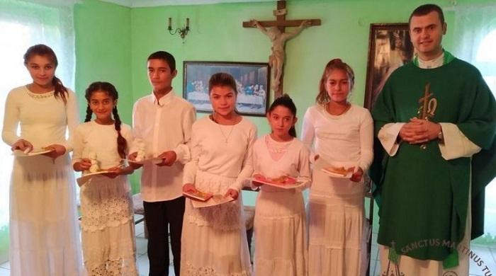 Римо-католики відзначили 25-річчя служіння ромам (циганам) Закарпаття