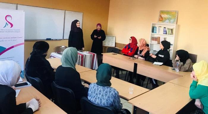 Жінка – магістр шаріатського права – провела семінар у Львові