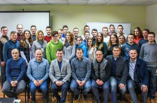Молодих п'ятидесятників Полтавщини навчали інтернет-благовістю