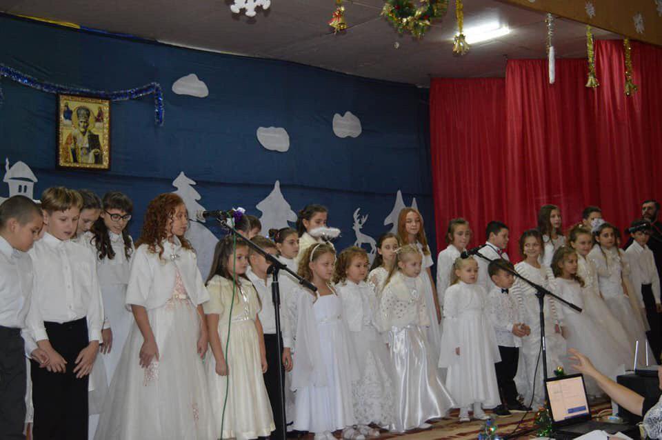 На Рівненщині юні віряни УПЦ (МП) зібрали 20 тисяч гривень для онкохворої дівчини