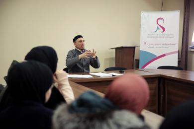 Ліга мусульманок України провела семінар з фікгу та хадисознавства для молоді