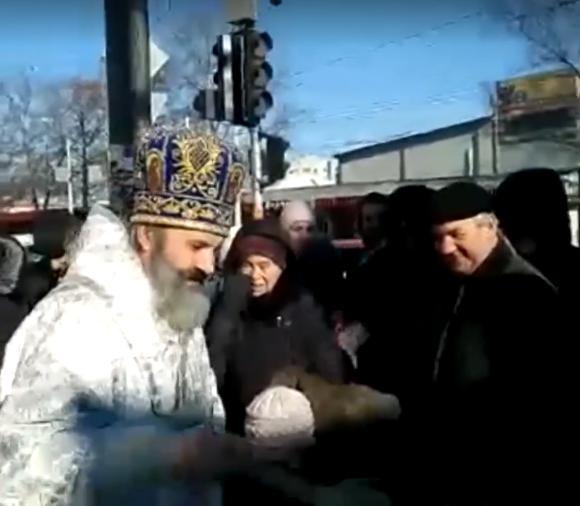 В Симферополе служение ПЦУ собрало сотни крымчан