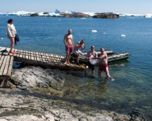 Полярники відзначили Водохреща в каплиці ПЦУ в Антарктиді